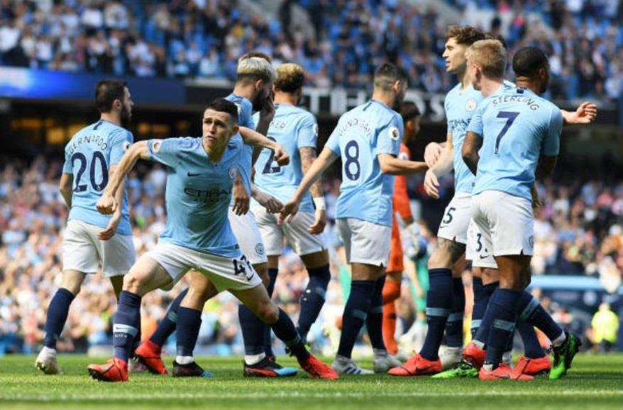 Man City thoát penalty vì Ngoại hạng Anh chưa có VAR Ảnh 2