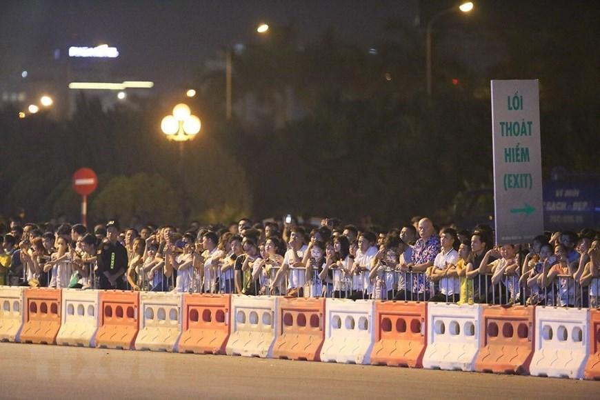 Tay đua Coulthard trình diễn tại 'Khởi động F1 Việt Nam Grand Prix' Ảnh 11