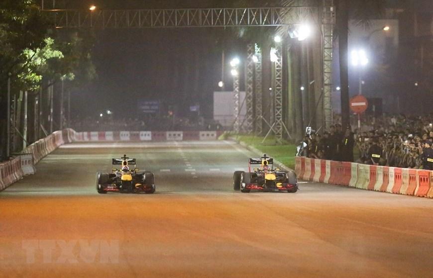 Tay đua Coulthard trình diễn tại 'Khởi động F1 Việt Nam Grand Prix' Ảnh 2