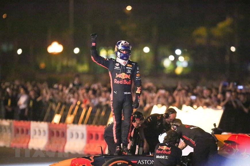 Tay đua Coulthard trình diễn tại 'Khởi động F1 Việt Nam Grand Prix' Ảnh 6