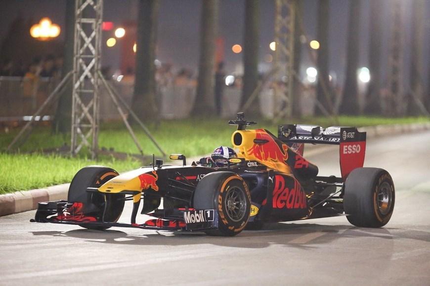Tay đua Coulthard trình diễn tại 'Khởi động F1 Việt Nam Grand Prix' Ảnh 5