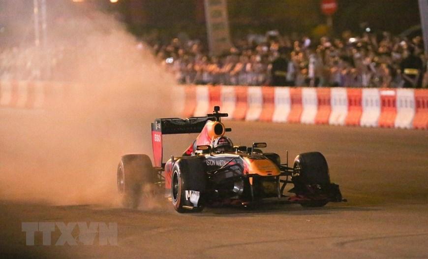 Tay đua Coulthard trình diễn tại 'Khởi động F1 Việt Nam Grand Prix' Ảnh 3