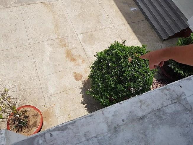 1 nghi phạm nhảy lầu ở trụ sở công an tử vong Ảnh 1