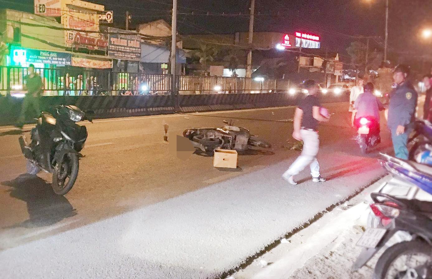 Va chạm với ôtô tải trong đêm, nam thanh niên tử vong ở Sài Gòn Ảnh 1