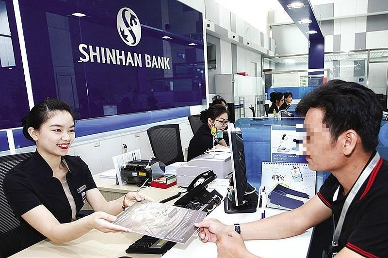 'Bốc hơi' 45 triệu trong thẻ, Shinhan Bank yêu cầu khách trả 5% phí Ảnh 1