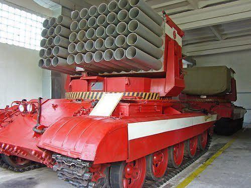 Chuyện lạ: Trung Quốc dùng pháo, xe tăng chữa cháy rừng Ảnh 3