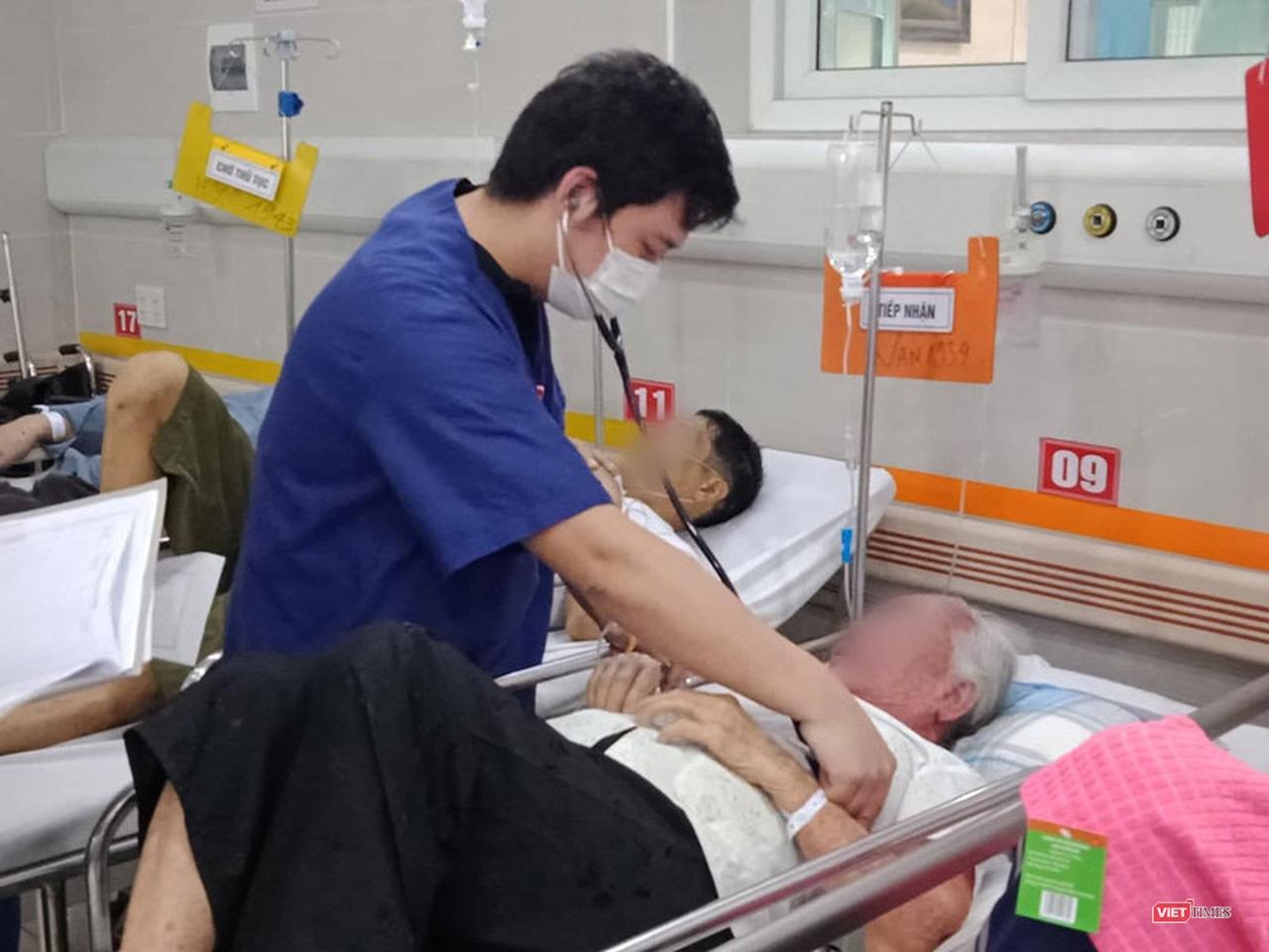 Nắng nóng gay gắt, bệnh nhân đột quỵ nhập viện tăng cao Ảnh 3