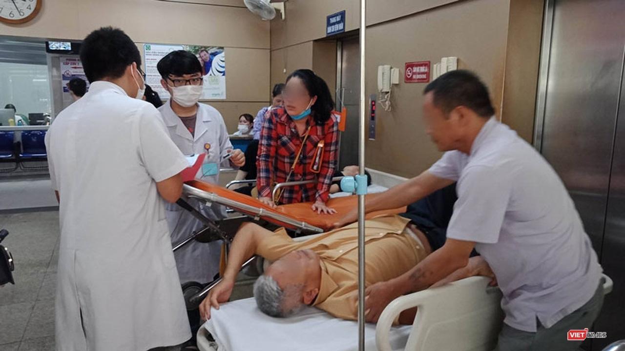 Nắng nóng gay gắt, bệnh nhân đột quỵ nhập viện tăng cao Ảnh 1