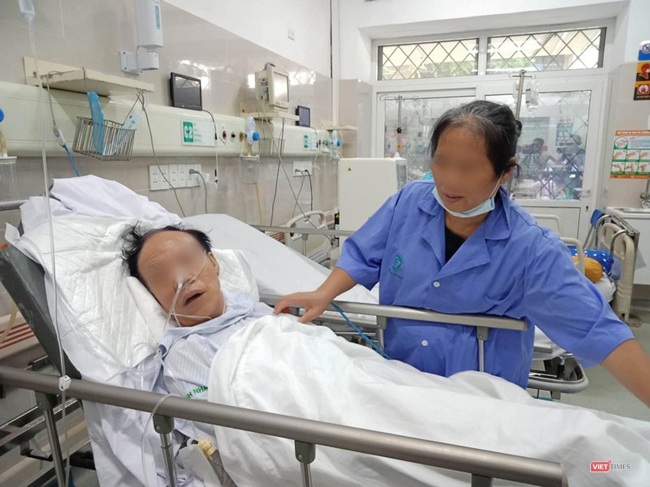 Nắng nóng gay gắt, bệnh nhân đột quỵ nhập viện tăng cao Ảnh 2