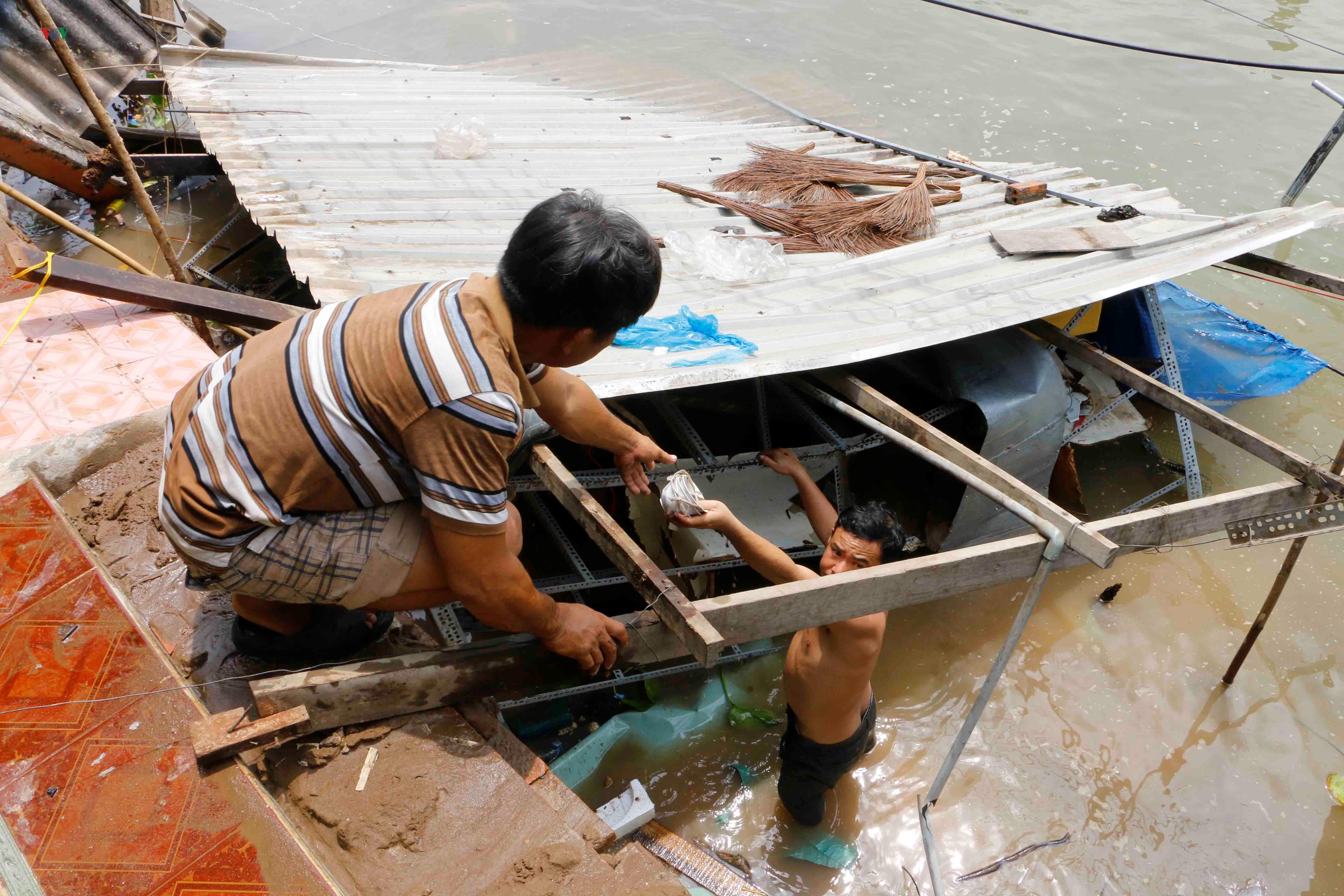 Sạt lở khiến 11 căn nhà ven sông Ô Môn, Cần Thơ bị ảnh hưởng Ảnh 4