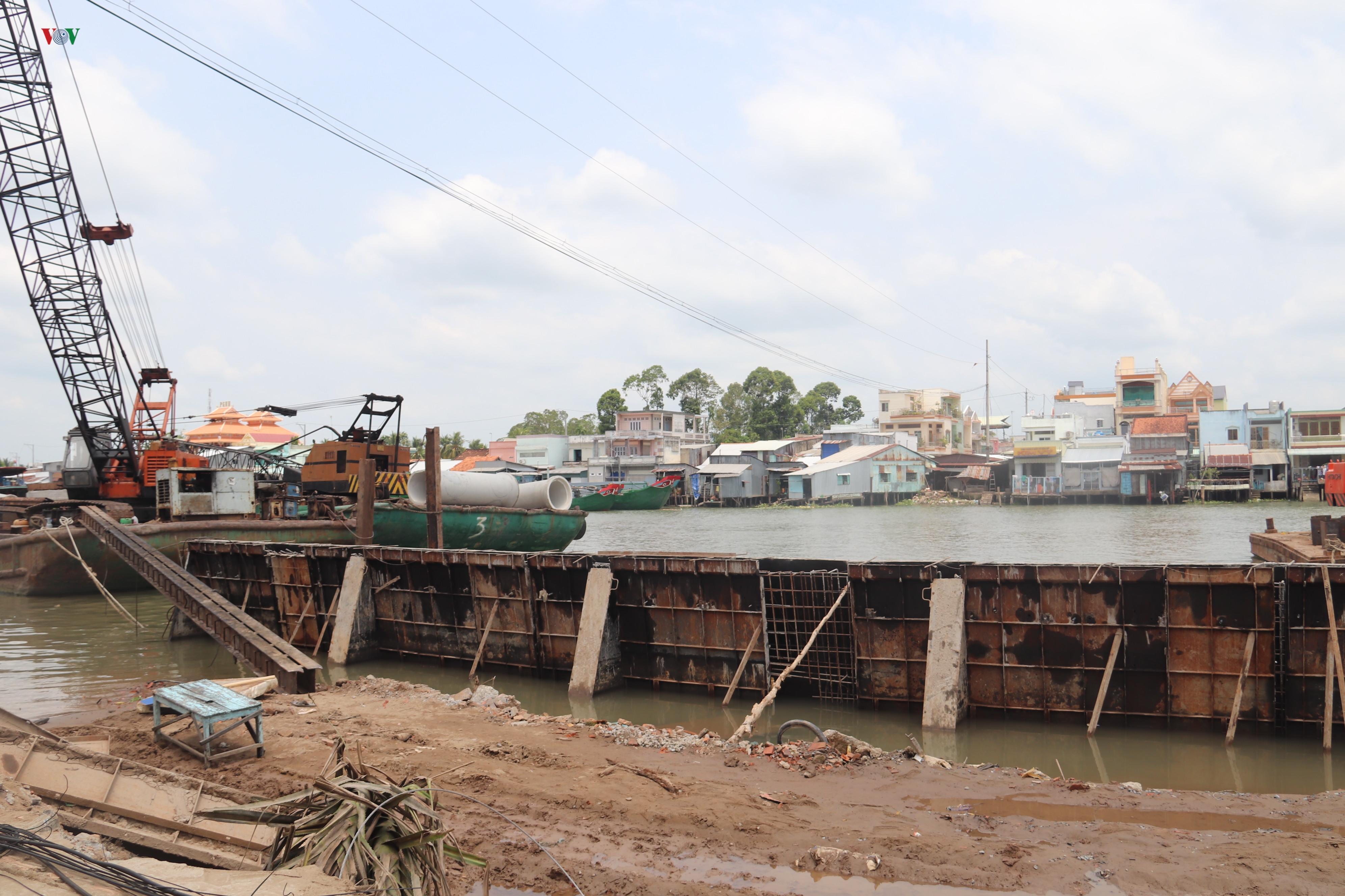 Sạt lở khiến 11 căn nhà ven sông Ô Môn, Cần Thơ bị ảnh hưởng Ảnh 5