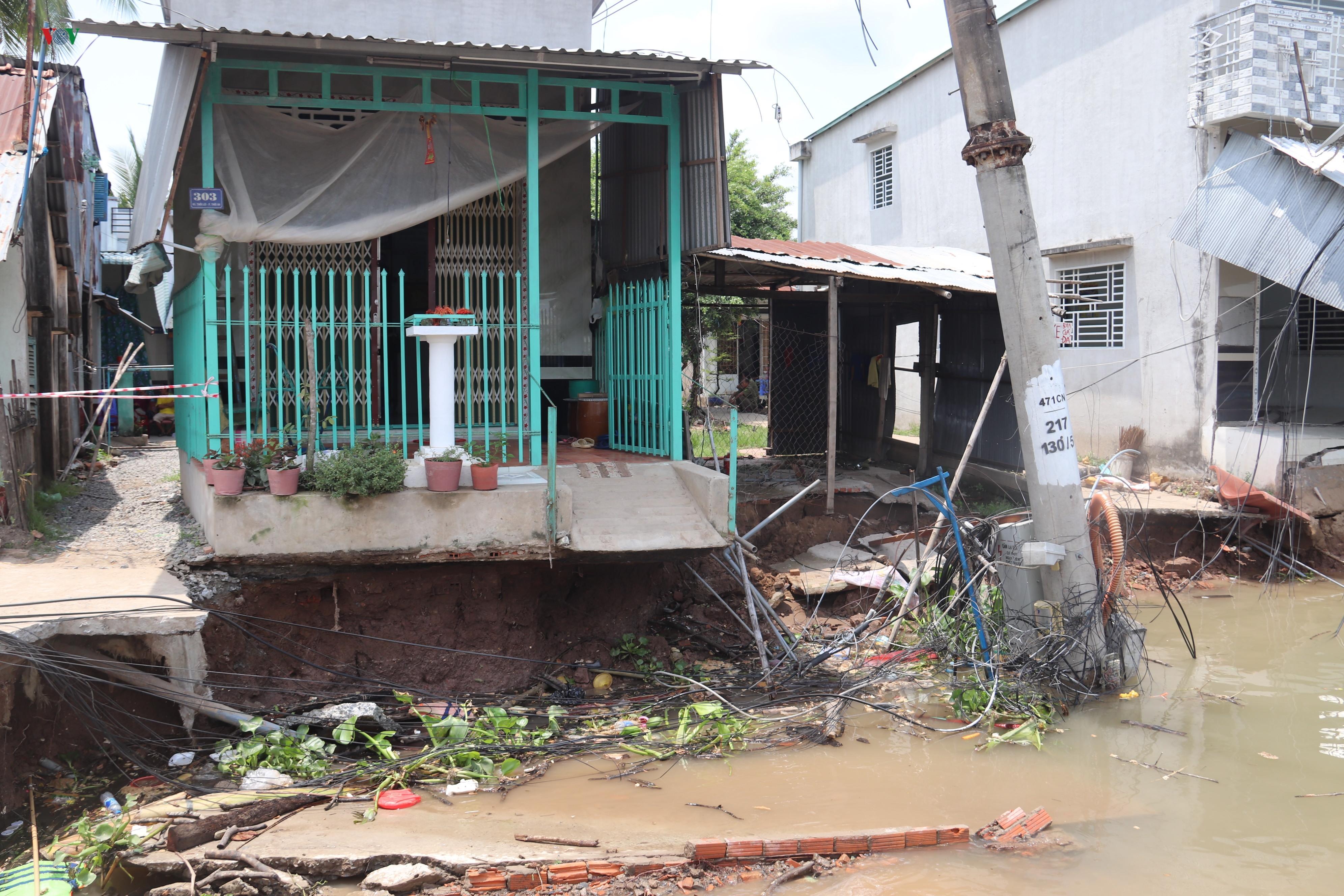 Sạt lở khiến 11 căn nhà ven sông Ô Môn, Cần Thơ bị ảnh hưởng Ảnh 1