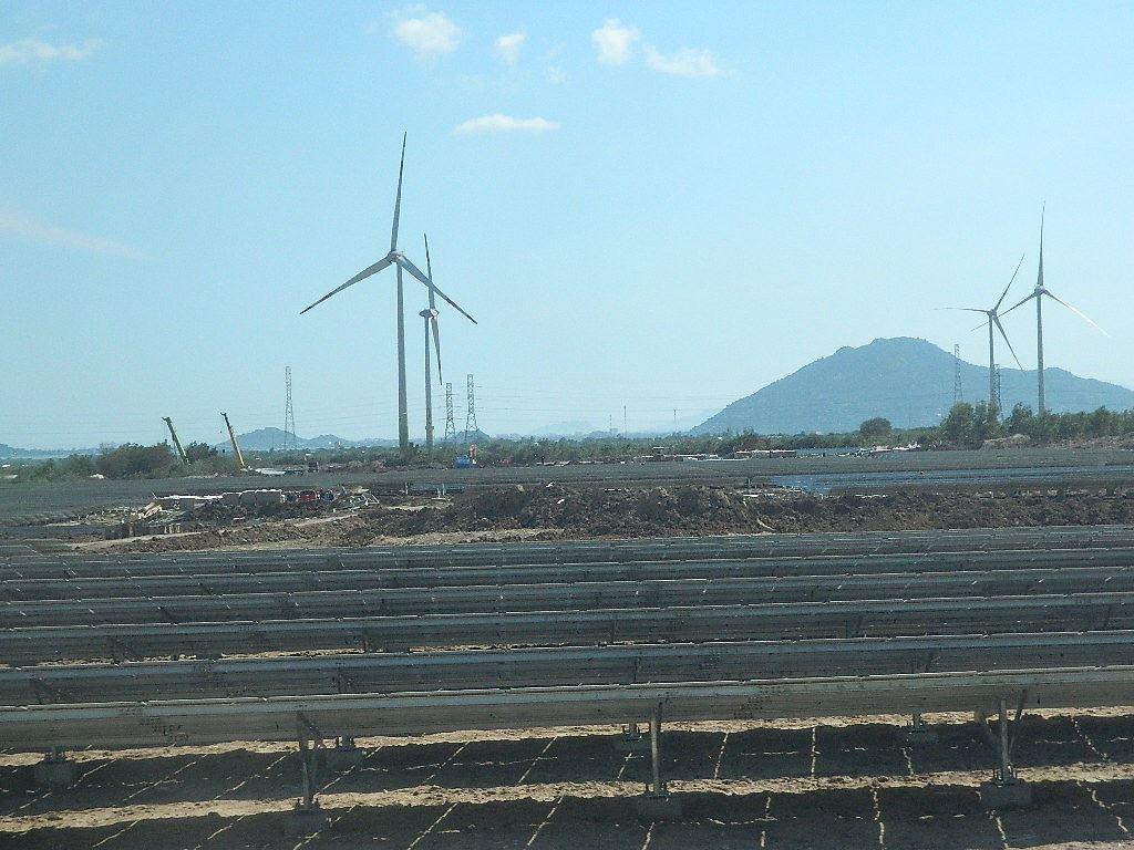 Khánh thành tổ hợp năng lượng tái tạo lớn nhất Việt Nam Ảnh 1