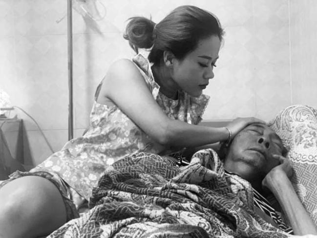 Rơi nước mắt khi nghe nghệ sĩ Lê Bình trò chuyện với con gái trong bệnh viện Ảnh 1