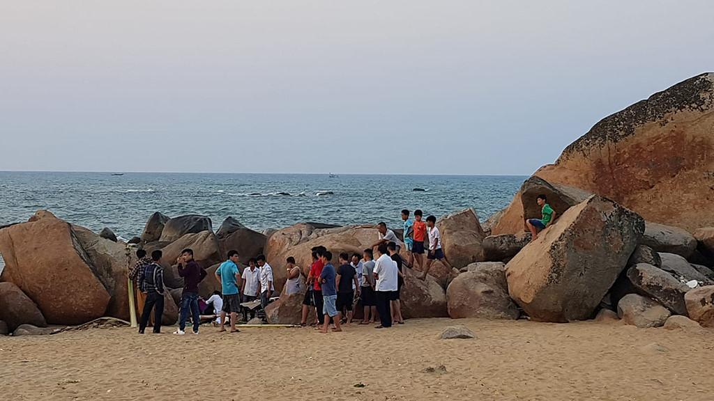 Tắm biển sau khi ăn đám cưới, 1 người đàn ông bị chết đuối Ảnh 1