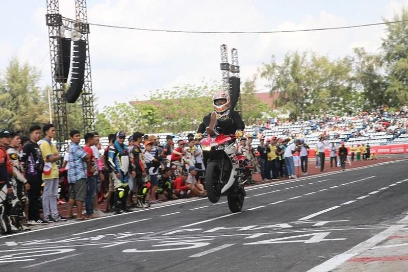 56 tay đua tranh tài ở Giải đua xe mô tô toàn quốc Ảnh 4