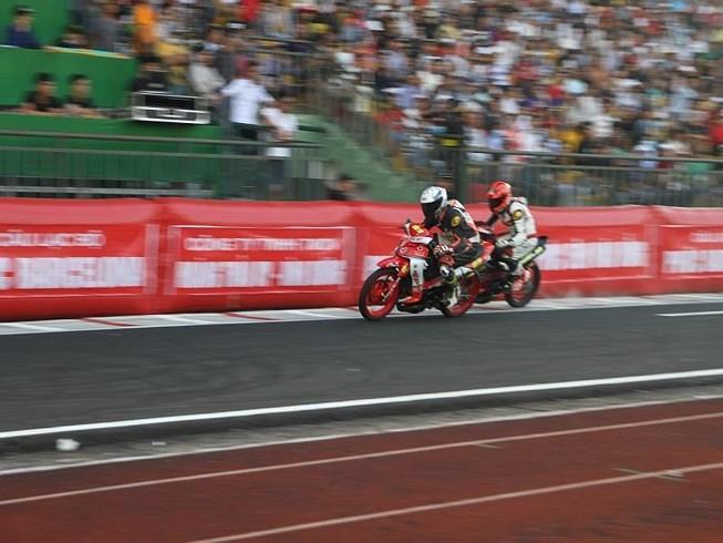 56 tay đua tranh tài ở Giải đua xe mô tô toàn quốc Ảnh 1