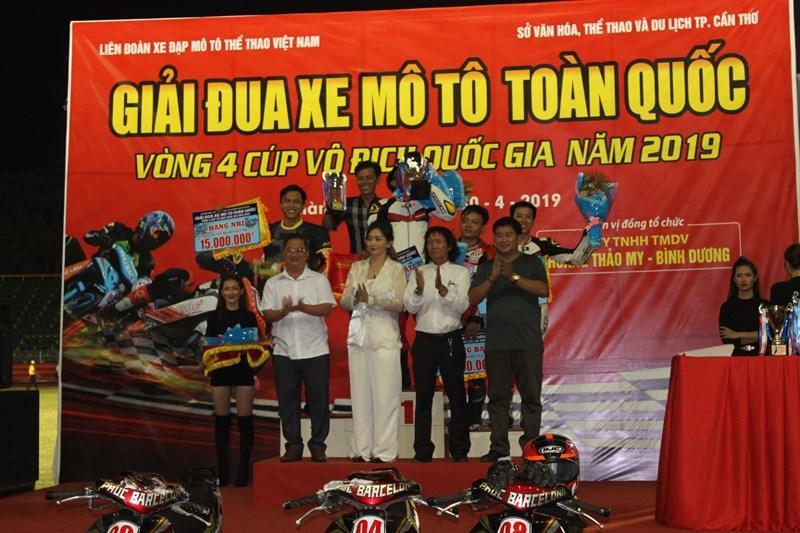 56 tay đua tranh tài ở Giải đua xe mô tô toàn quốc Ảnh 12
