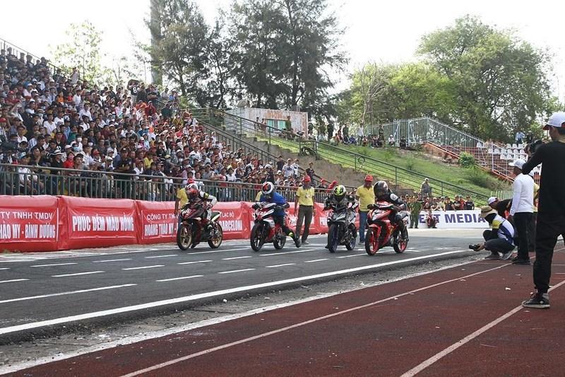 56 tay đua tranh tài ở Giải đua xe mô tô toàn quốc Ảnh 5