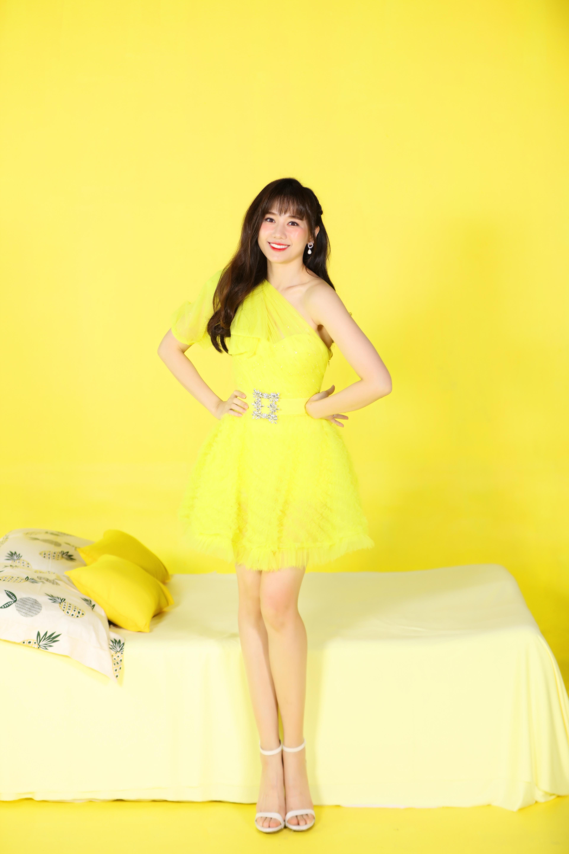 Tung bộ ảnh sắc màu, Hari Won trẻ trung như gái 18, bất chấp lứa tuổi 33 Ảnh 7
