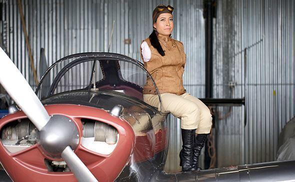 Chuyện về nữ phi công cụt tay đầu tiên trong lịch sử hàng không Ảnh 1