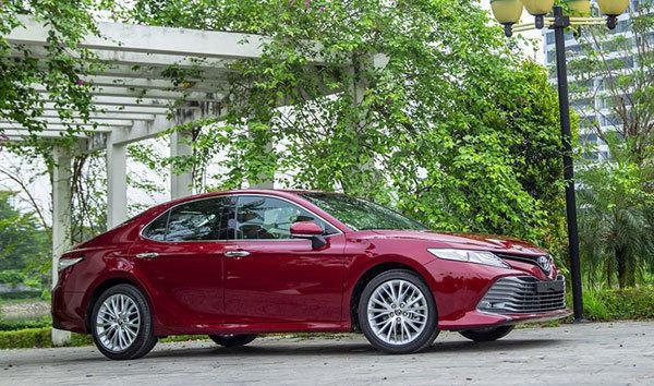 Thêm nhiều công nghệ mới, giá giảm Toyota Camry 'cháy hàng' Ảnh 3