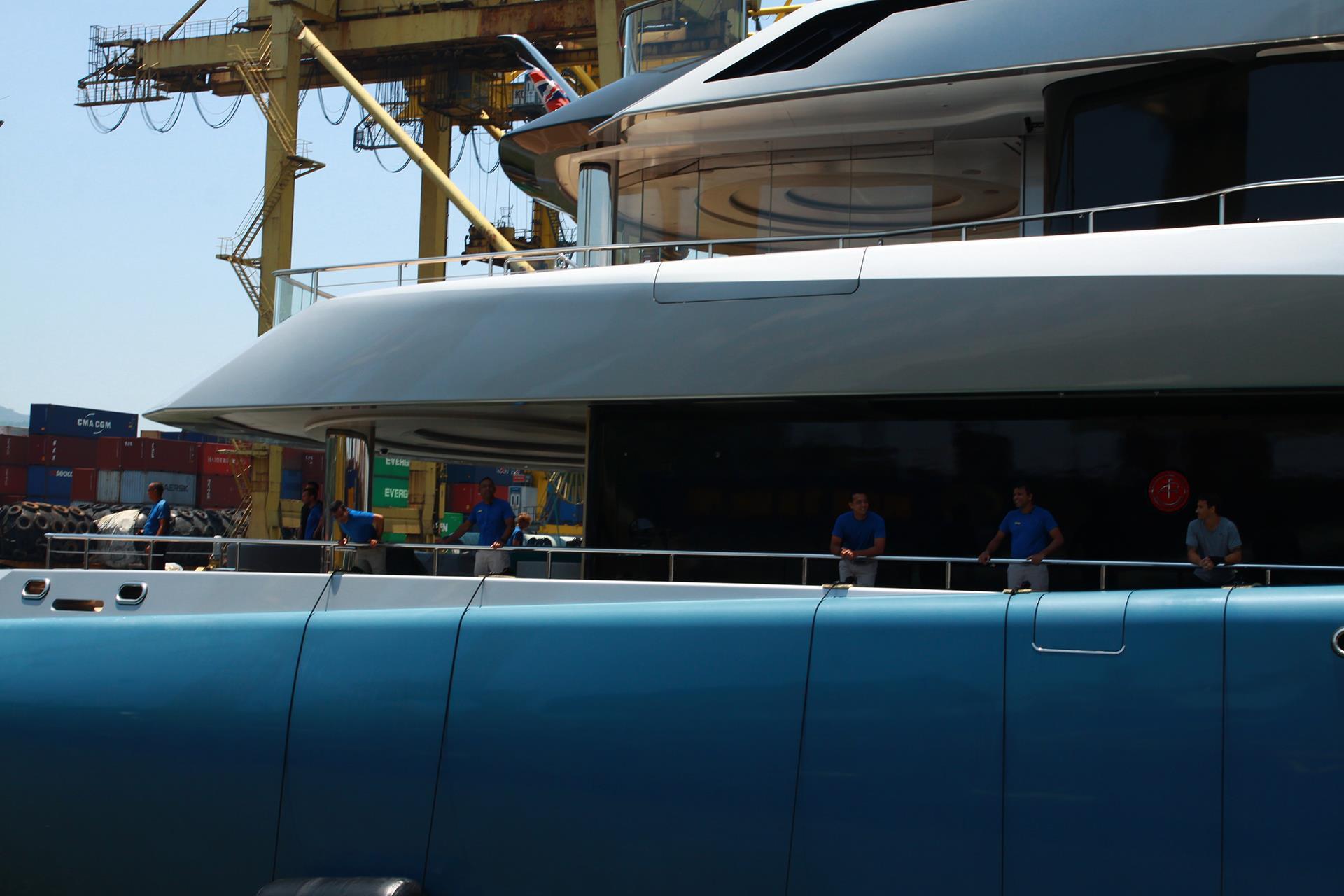 Siêu du thuyền 150 triệu USD của tỷ phú Anh cập cảng Tiên Sa Ảnh 2