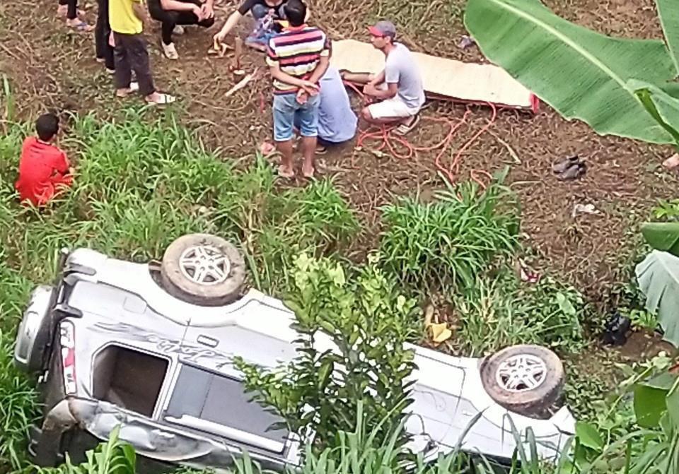 Nữ tài xế lao ôtô xuống vực, một người tử vong Ảnh 1