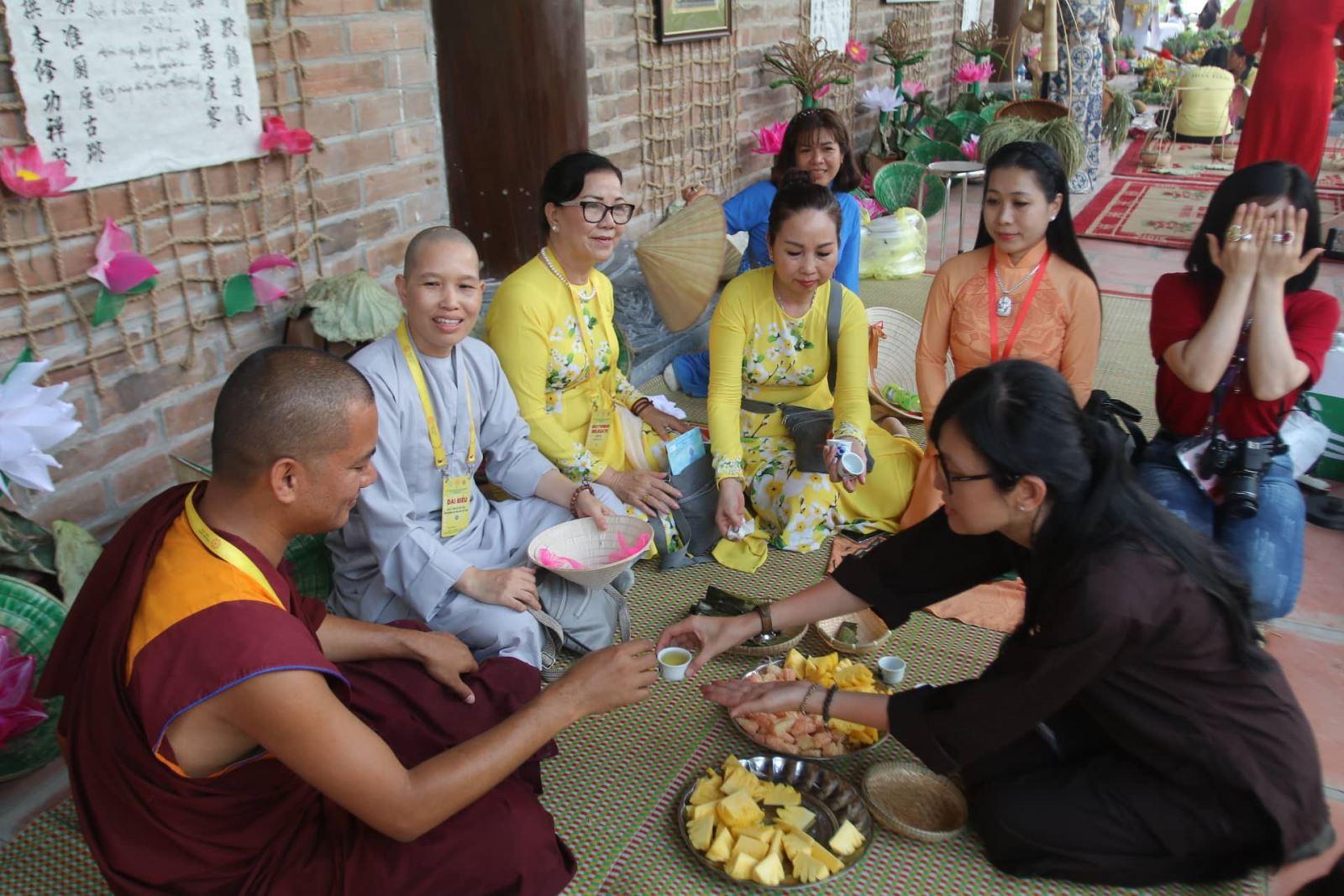 Các mặt hàng thủ công mỹ nghệ được trưng bày tại Đại lễ Phật đản Vesak 2019 Ảnh 10