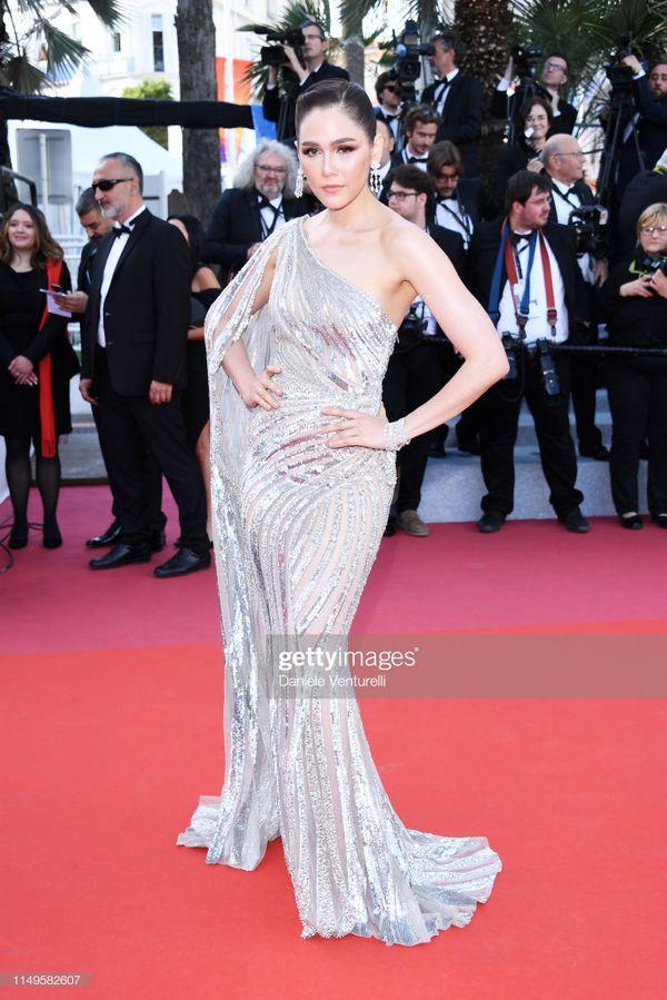 Thảm đỏ 'LHP Cannes 2019' ngày 3: Chompoo Araya đơn giản mà vẫn kiêu sa, Lý Vũ Xuân bất ngờ hóa quý cô sang trọng Ảnh 3