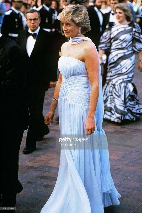 Chiếc đầm của công nương Diana tại Cannes cách đây hơn 30 năm bỗng hot chưa từng thấy Ảnh 5