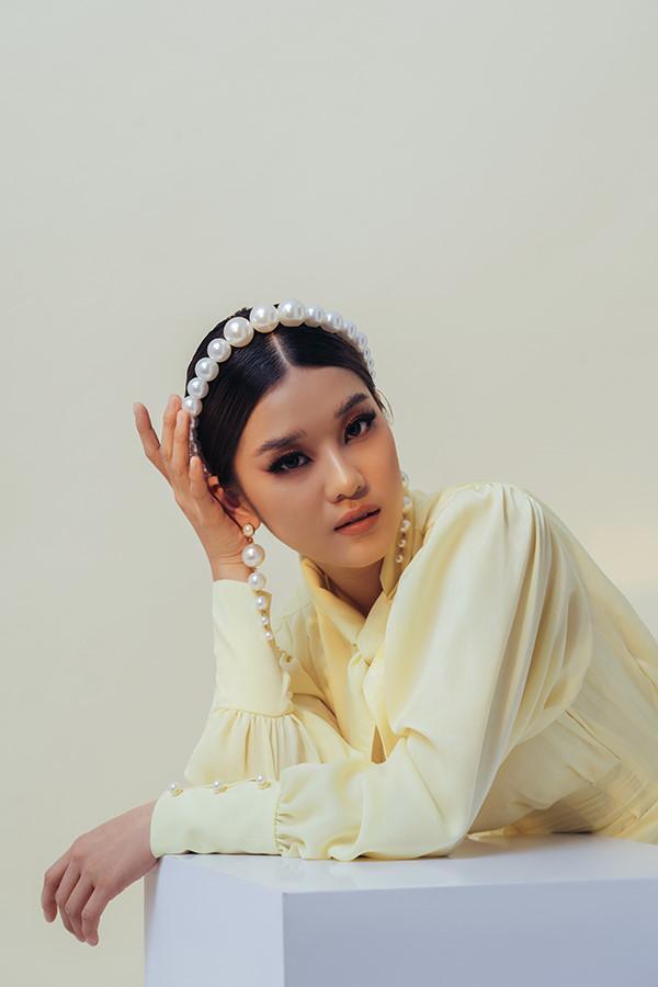 Hoàng Yến Chibi rũ bỏ hình ảnh trong sáng, 'lột xác' quyến rũ ở tuổi 24 Ảnh 6