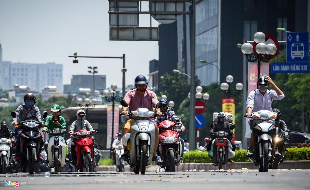 Những tuyến phố chống oi bức ngày nóng 40 độ C ở Hà Nội Ảnh 1