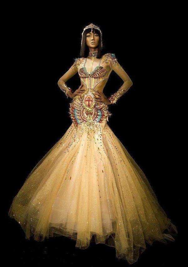 H'Hen Niê duỗi tóc 'thẳng tưng' hóa nữ thần Ai Cập, thần thái ngút trời ai nhìn không say? Ảnh 5