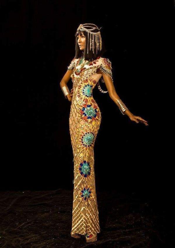 H'Hen Niê duỗi tóc 'thẳng tưng' hóa nữ thần Ai Cập, thần thái ngút trời ai nhìn không say? Ảnh 4