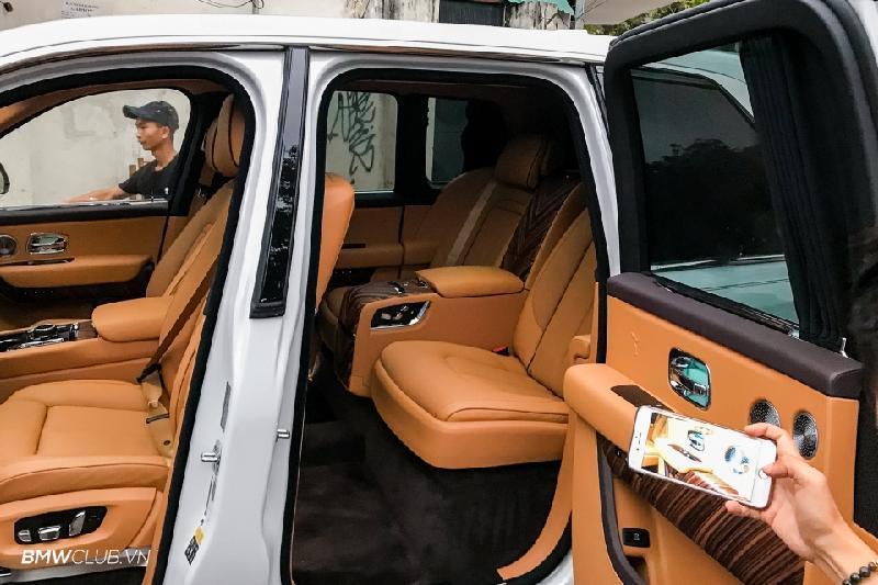 Bên trong Rolls Royce Cullinan đầu tiên Việt Nam có gì? Ảnh 13