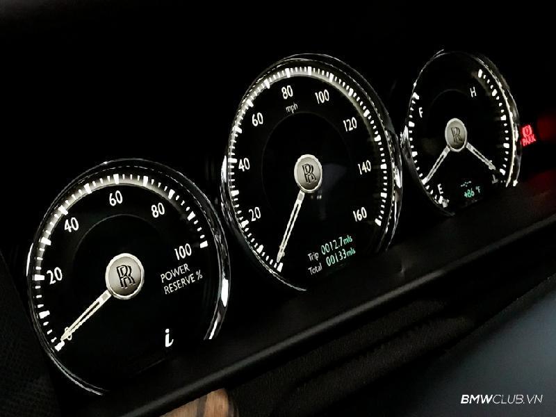 Bên trong Rolls Royce Cullinan đầu tiên Việt Nam có gì? Ảnh 12