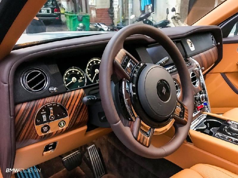 Bên trong Rolls Royce Cullinan đầu tiên Việt Nam có gì? Ảnh 11