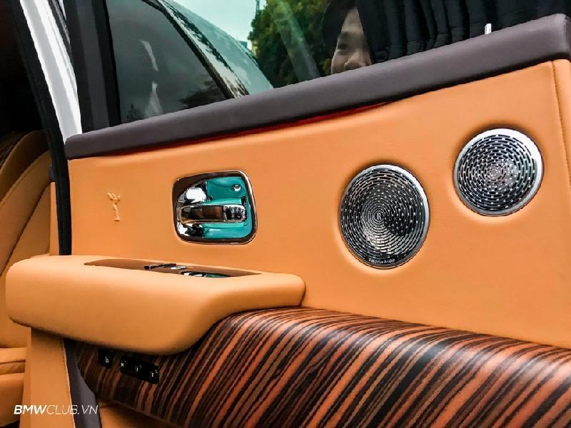 Bên trong Rolls Royce Cullinan đầu tiên Việt Nam có gì? Ảnh 16
