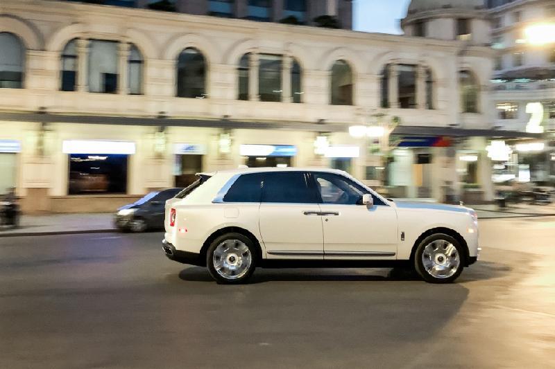 Bên trong Rolls Royce Cullinan đầu tiên Việt Nam có gì? Ảnh 7