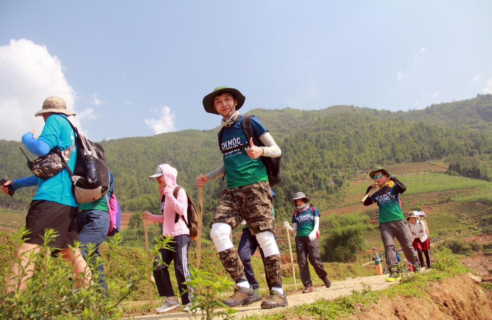 Xem dân văn phòng chinh phục đỉnh Ky Quan San ở độ cao 3046m Ảnh 4
