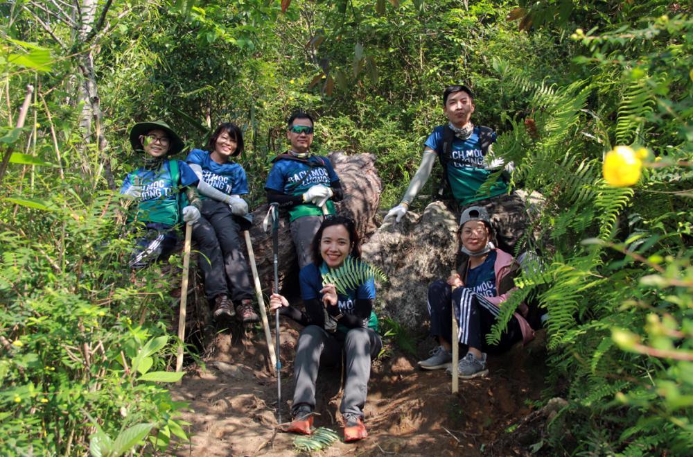 Xem dân văn phòng chinh phục đỉnh Ky Quan San ở độ cao 3046m Ảnh 8
