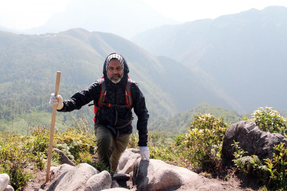 Xem dân văn phòng chinh phục đỉnh Ky Quan San ở độ cao 3046m Ảnh 13