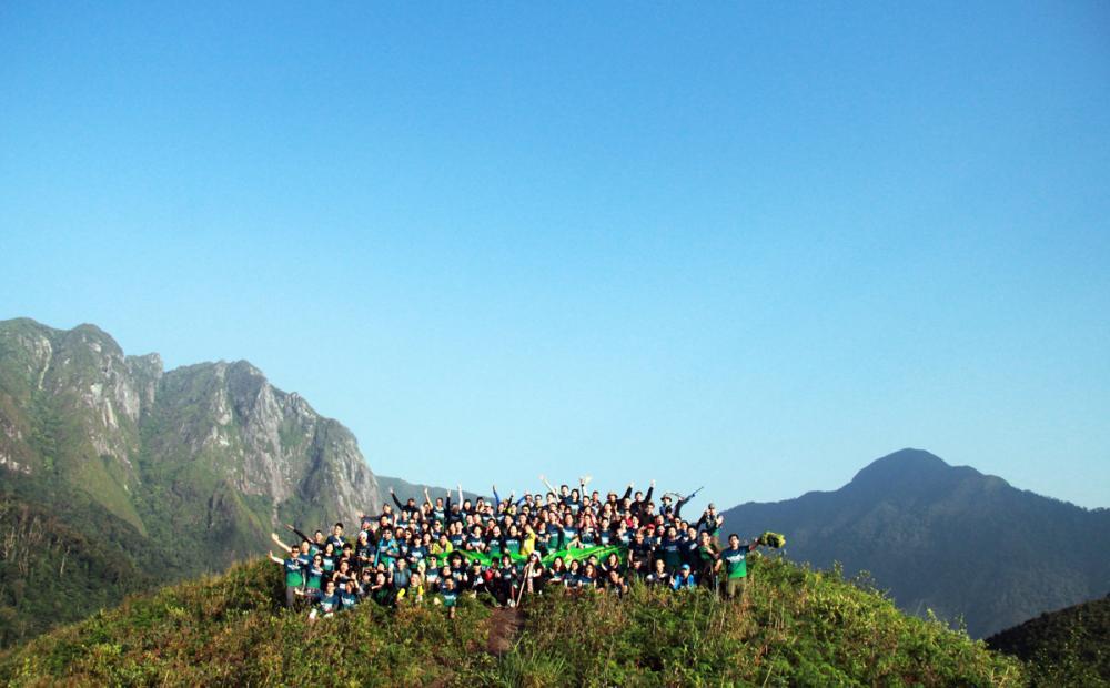 Xem dân văn phòng chinh phục đỉnh Ky Quan San ở độ cao 3046m Ảnh 15