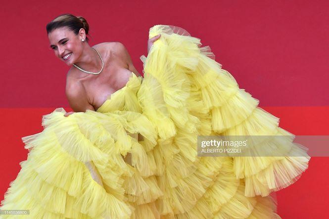 'Chân dài' Brazil bị nghi cố tình lộ ngực, gây chú ý trên thảm đỏ Cannes Ảnh 1