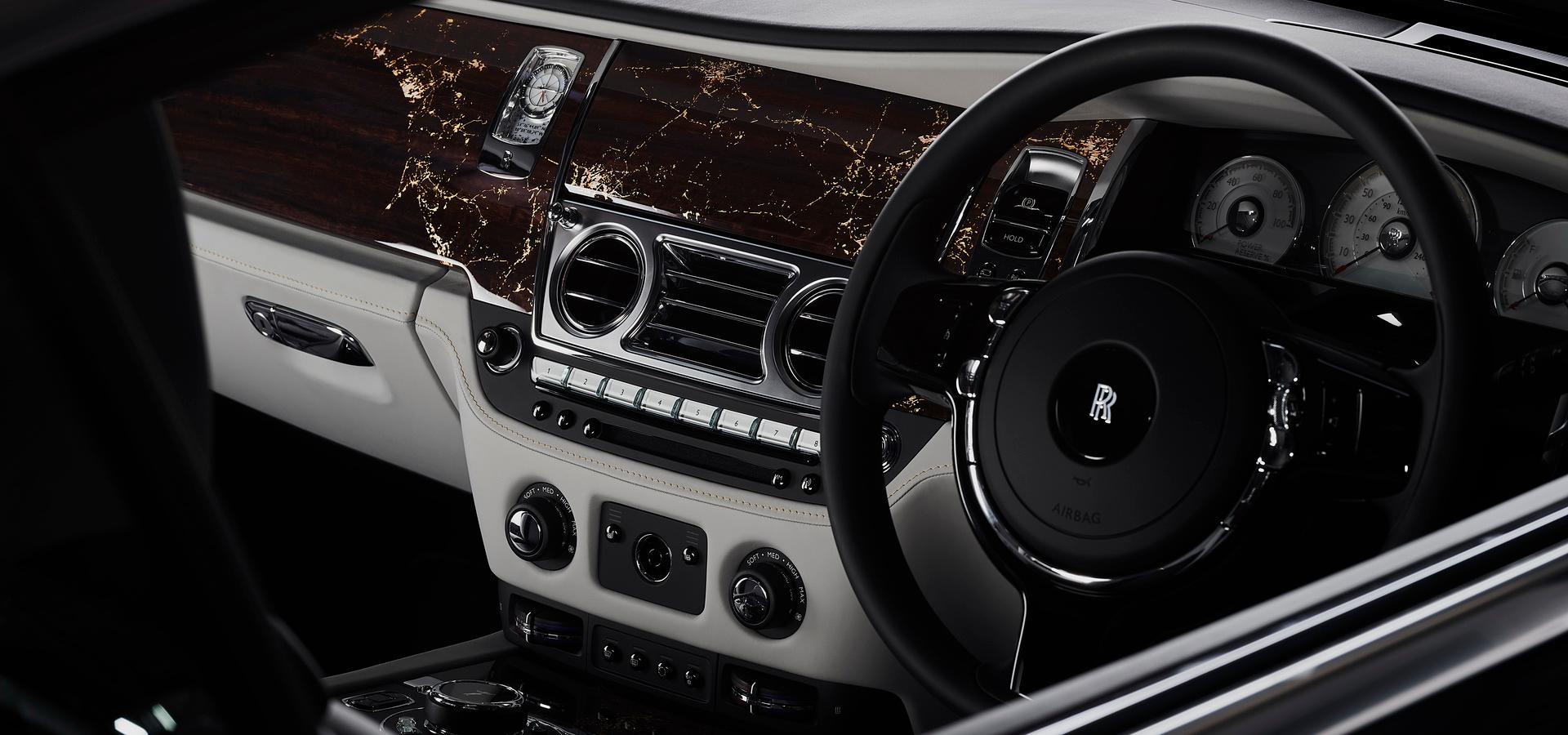 Rolls-Royce Wraith Eagle VIII ra mắt với 50 câu chuyện lịch sử của thế kỉ 20 Ảnh 1