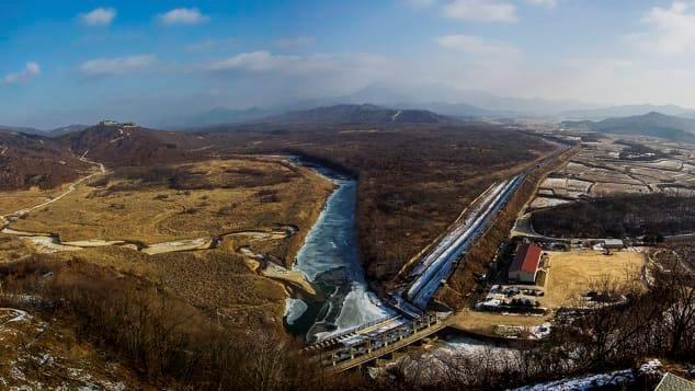 Nhiếp ảnh gia Hàn Quốc và 20 năm chụp nơi nguy hiểm bậc nhất thế giới Ảnh 14
