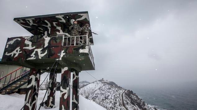 Nhiếp ảnh gia Hàn Quốc và 20 năm chụp nơi nguy hiểm bậc nhất thế giới Ảnh 11
