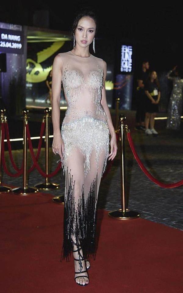 Khoe body táo bạo, Chi Pu, Jolie Nguyễn được khen tới tấp nhưng Ngọc Trinh, Đông Nhi khiến fan lắc đầu Ảnh 11