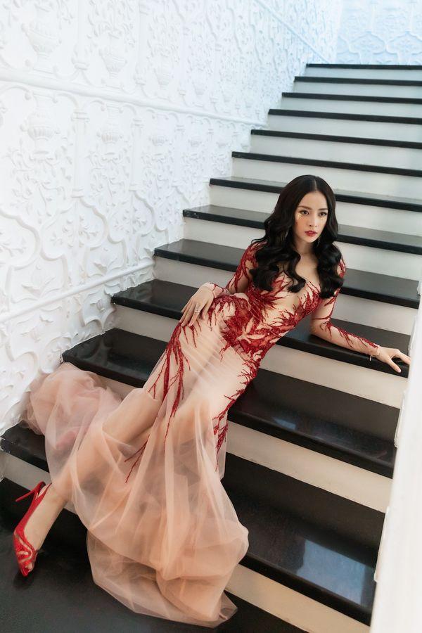 Khoe body táo bạo, Chi Pu, Jolie Nguyễn được khen tới tấp nhưng Ngọc Trinh, Đông Nhi khiến fan lắc đầu Ảnh 3